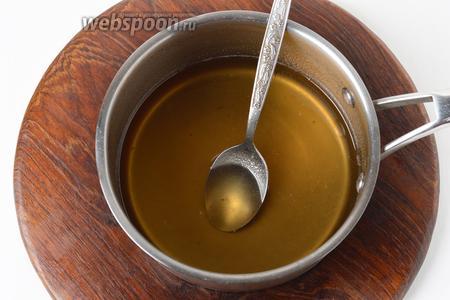 250 грамм сахара перемешать с желфиксом (25 грамм) и соединить с отваром. Довести до кипения и проварить 3 минуты.