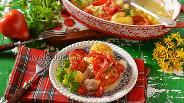 Фото рецепта Запечённая куриная грудка с картофелем и помидорами
