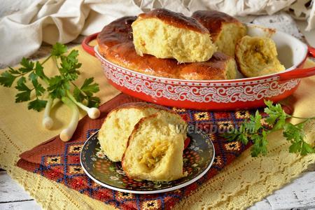 Творожные пирожки с луком и яйцом