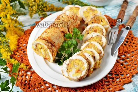 Рулет из куриных грудок с овощами и сыром