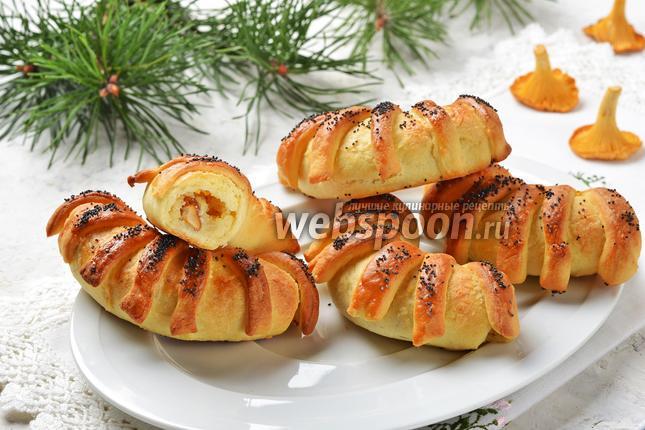 Фото Пирожки с лисичками и картошкой