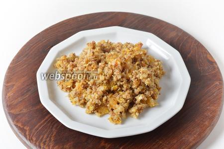 Гречневая каша с яйцом и курагой готова. Подавать такую кашу можно как самостоятельное блюдо или как гарнир к мясу.