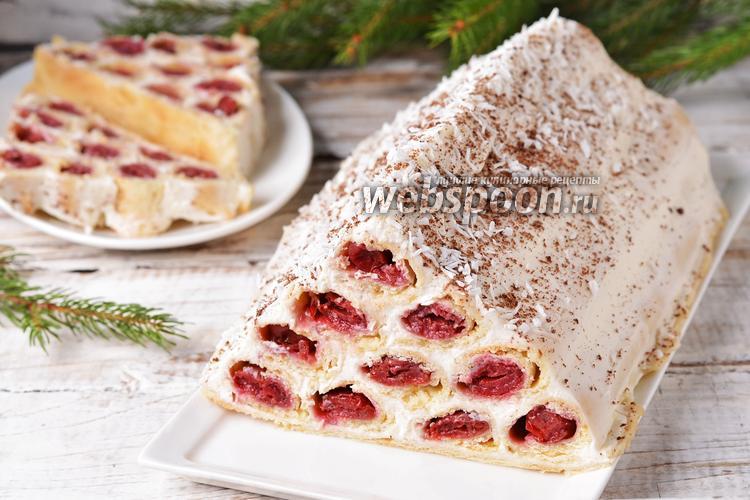 Фото Сметанный торт «Монастырская изба» с вишней