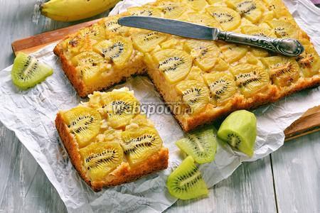 Пирог с киви и бананом