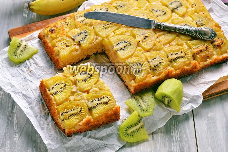 Фото Пирог с киви и бананом