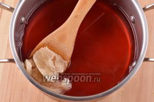 Вмешать подготовленный желатин в горячий отвар.