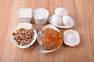 Для приготовления коржей нам понадобятся яйца, мука, сода, сахар, мёд, сливочное масло, грецкие орехи.