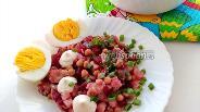 Фото рецепта Салат с сельдью и горошком