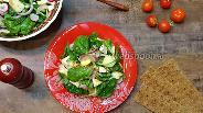 Фото рецепта Салат со шпинатом, яблоками и сыром фета