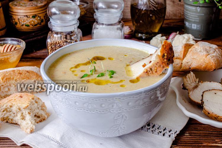Фото Крем-суп из цветной капусты с запечённой курицей