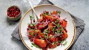 Фото рецепта Салат из помидоров с гранатом