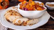Фото рецепта Запечённая курица с сальсой из хурмы