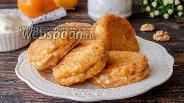 Фото рецепта Сырники с тыквой и орехами