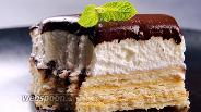 Фото рецепта Торт без выпечки из печенья с кремом. Видео-рецепт