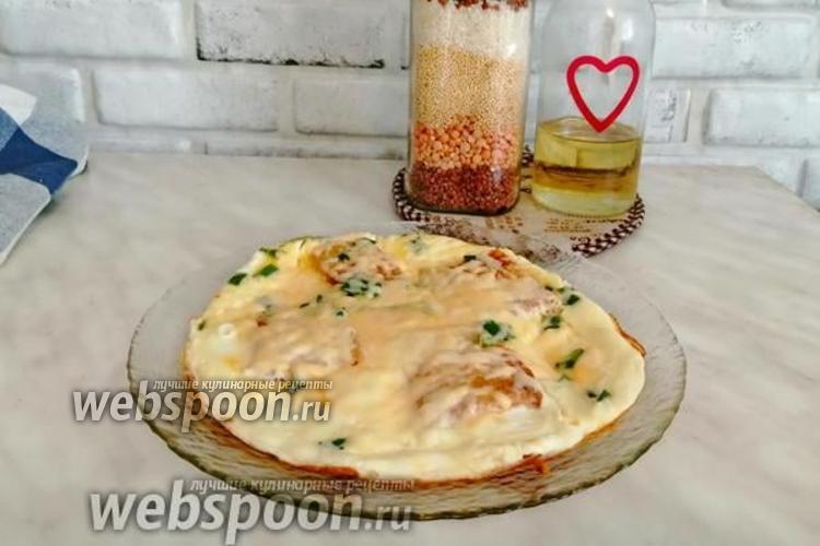 Фото Омлет с хлебом и сыром с зеленью