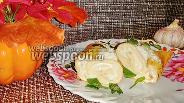 Фото рецепта Яичный рулет с творожно-сырной начинкой и чесноком