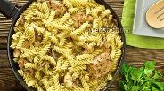 Фото рецепта Макароны с куриным филе и грибами в сливочном соусе