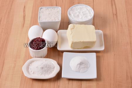 Для работы нам понадобится мука, сливочное масло, разрыхлитель, сахар, ванильный сахар, яйца, джем.