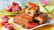 Фото рецепта Пирог с замороженной клубникой