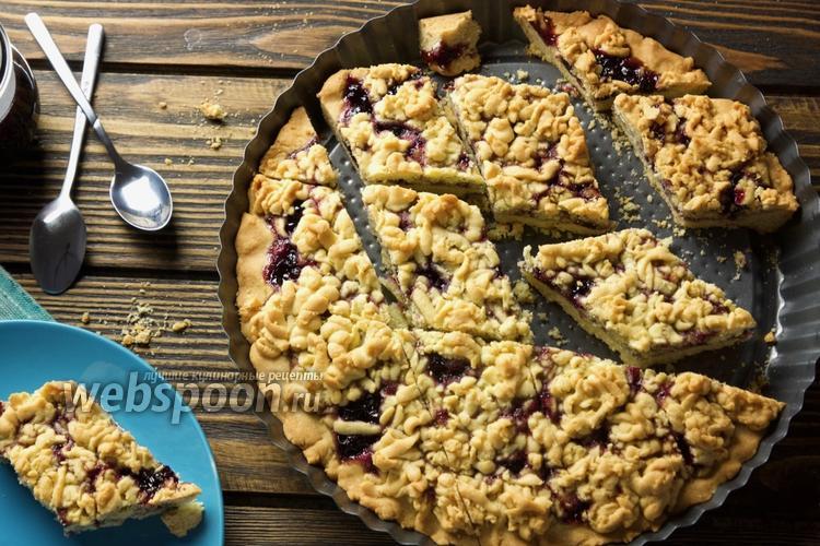 Фото Тёртый пирог со смородиновым вареньем