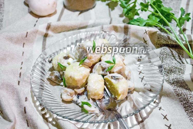 Фото Ньокки в сливочном соусе с грибами