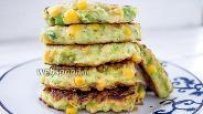 Фото рецепта Оладьи из кабачков с кукурузой