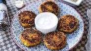 Фото рецепта Картофельные котлеты с крабовыми палочками