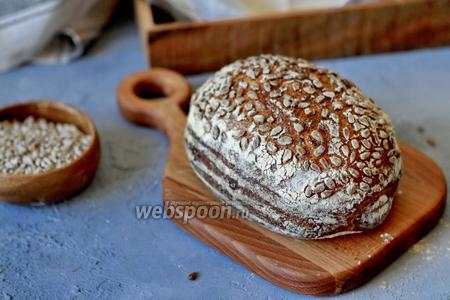 Фото рецепта Цельнозерновой хлеб без дрожжей с семенами льна