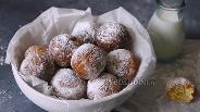 Фото рецепта Творожные пончики на миндальной муке