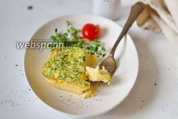 Фото Омлет со сливками и с зелёным луком в духовке