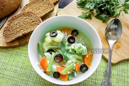 Овощной суп с маслинами