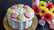 Фото рецепта Бисквитный торт из кокосовой муки с крем-чизом