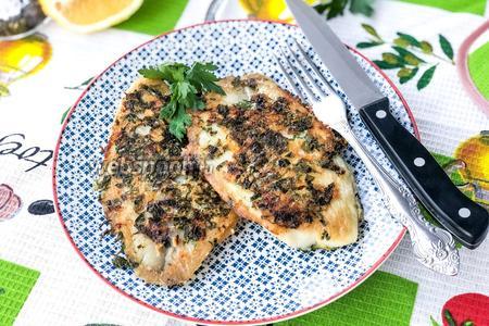 Рыбка готова, приятного аппетита.