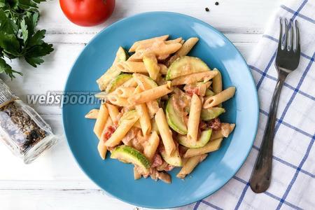 Паста с кабачками в сливочно-томатном соусе