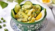 Фото рецепта Салат «Выручалочка» с огурцом и яйцом