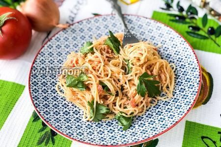 Спагетти с яйцом и помидорами