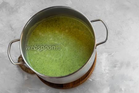 Далее оставим суп настаиваться около 7-10 минут и после подаём к столу.