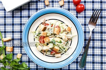 Салат с белокочанной капустой и тунцом