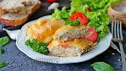 Фото рецепта Котлеты в духовке с овощами и сыром