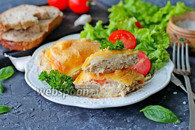 Фото Котлеты в духовке с овощами и сыром