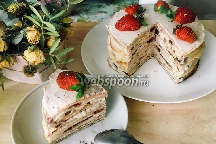 Фото Блинный торт с клубникой и творогом
