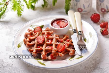 Фото рецепта Клубничные вафли