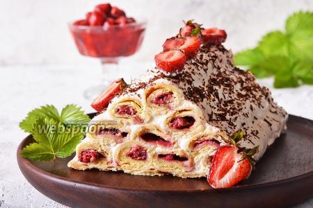 Торт «Монастырская изба» с клубникой