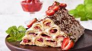 Фото рецепта Торт «Монастырская изба» с клубникой