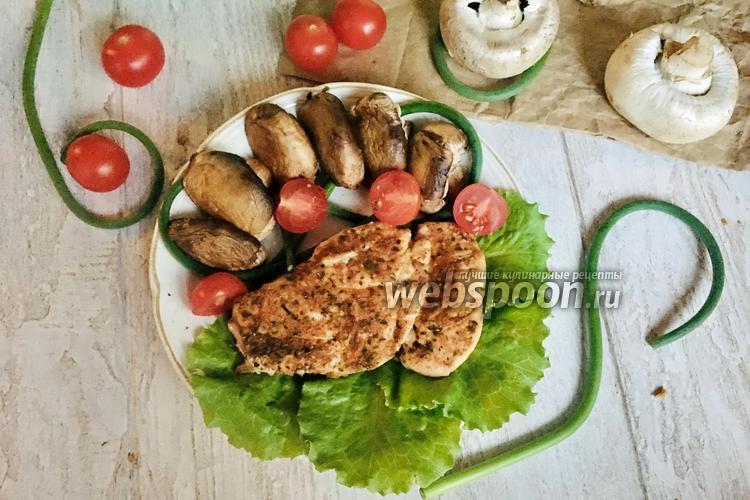 Фото Грудка индейки на сковороде