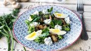 Фото рецепта Тёплый салат с брокколи и грибами