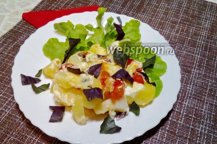 Фото Молодая картошка с моцареллой в духовке