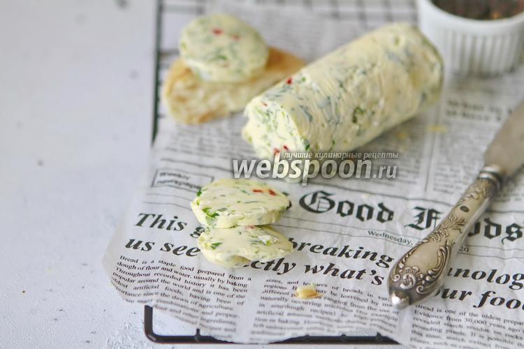 Фото Ароматное сливочное масло с кинзой и перцем чили