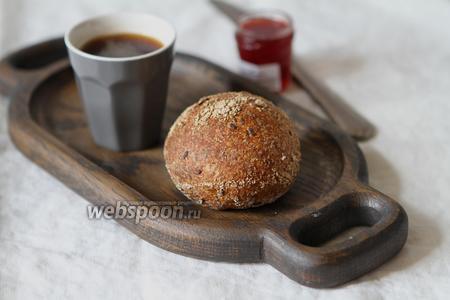 Цельнозерновые булочки на закваске с семенами льна