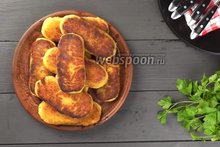 Фото Постные картофельные зразы с грибами на сковороде. Видео-рецепт